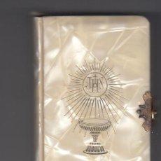 Libros de segunda mano: DIVINO JESÚS. DEVOCIONARIO PARA LA PRIMERA COMUNIÓN. EDITORIAL REGINA 1958 . Lote 195262921