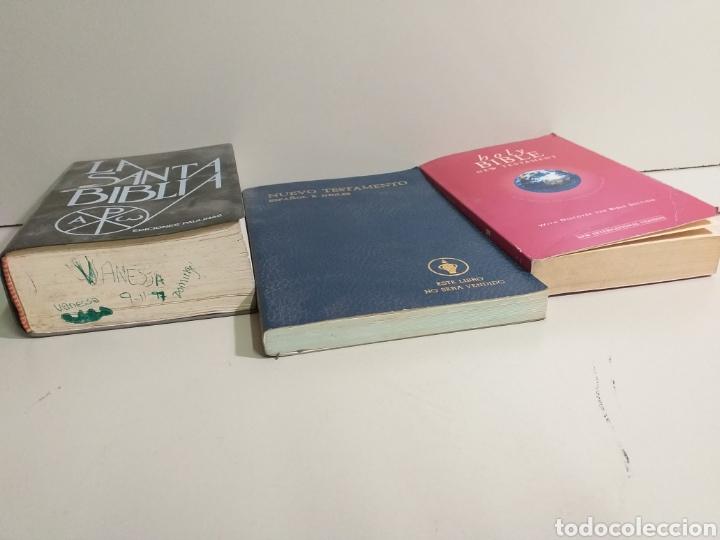 Libros de segunda mano: Lote de biblias. biblia. holy bible. new testament. la santa biblia. nuevo testamento español e ingl - Foto 2 - 213819571