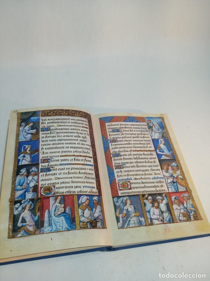 Libros de segunda mano: Libro de horas de Carlos V. Biblioteca nacional. Vitrina 24.3. Colec. Manuscritos. 2002. Facsímil. - Foto 6 - 217786133