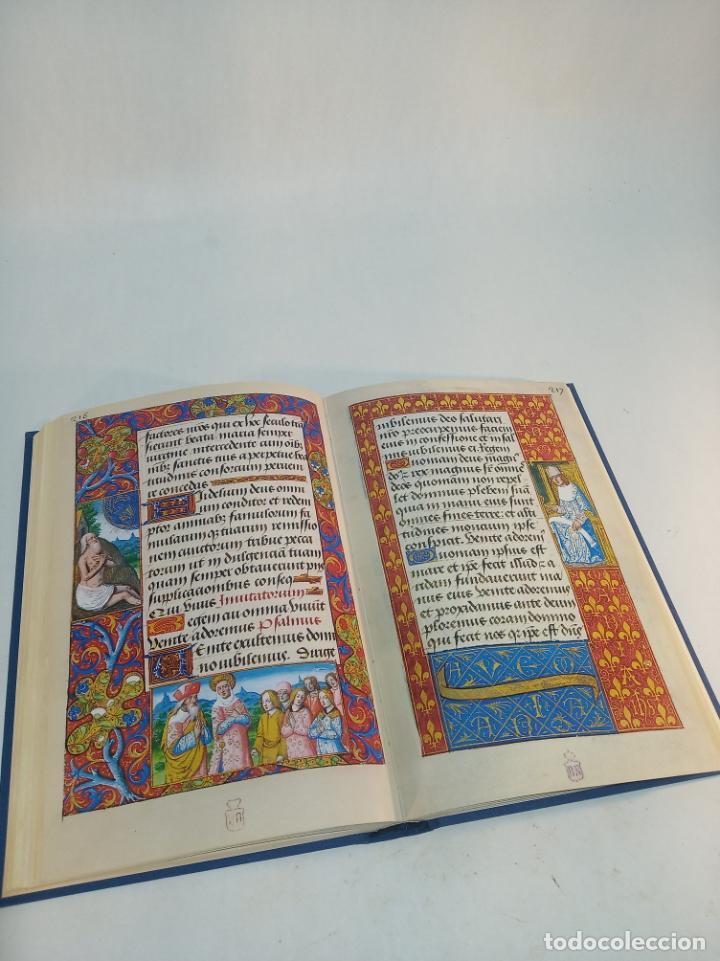 Libros de segunda mano: Libro de horas de Carlos V. Biblioteca nacional. Vitrina 24.3. Colec. Manuscritos. 2002. Facsímil. - Foto 8 - 217786133