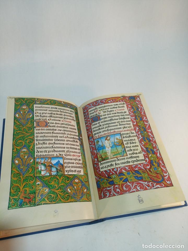 Libros de segunda mano: Libro de horas de Carlos V. Biblioteca nacional. Vitrina 24.3. Colec. Manuscritos. 2002. Facsímil. - Foto 9 - 217786133