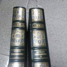 Libros de segunda mano: LA BIBLIA ANTIGUO Y NUEVO TESTAMENTO. Lote 242190530