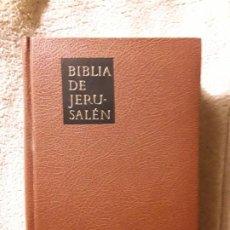 Libros de segunda mano: BIBLIA DE JERUSALÉN. MAGNÍFICO ESTADO. DESCLEE DE BROUWER, 1984. CORTES DORADOS. Lote 264978844