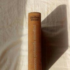 Libros de segunda mano: LIBRO LA TERCERA POTENCIA MUNDIAL. UNION EUROPEA. CEE. POST GUERRA MUNDIAL.BENELUX. FRANCO. EUROPA. Lote 95886764