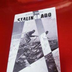 Libros de segunda mano: LIBRO-STALINGRADO-ANTONY BEEVOR-CÍRCULO DE LECTORES-VER FOTOS. Lote 189480247