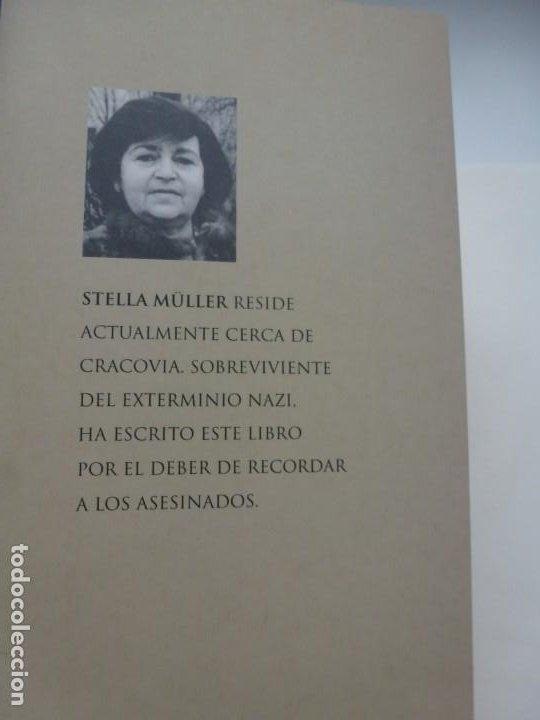 Libros de segunda mano: LA NIÑA QUE NO BESÓ A HITLER. STELLA MÜLLER. ED. MARTÍNEZ ROCA. PRIMERA EDICIÓN. IMPECABLE - Foto 3 - 190192377