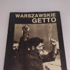 Libros de segunda mano: WARSZAWSKIE GHETTO. EN POLACO.. Lote 268837089