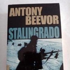 Libros de segunda mano: STALINGRADO .ANTONY BEEVOR ( BOOKET ). Lote 278417593