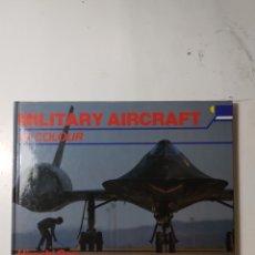 Libros de segunda mano: MILITARY AIRCRAFT IN COLOUR, HIROSHI SEO. Lote 289900243