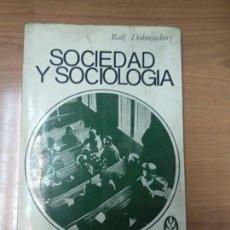 Libros de segunda mano: SOCIEDAD Y SOCIOLOGÍA - RALF DAHRENDORF. Lote 161930110