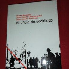 Libros de segunda mano: PIERRE BOURDIEU, EL OFICIO DE SOCIOLOGO. Lote 171373867