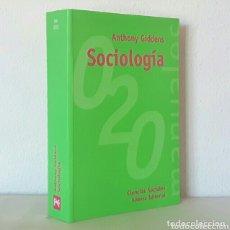 Libros de segunda mano: ANTHONY GIDDENS. SOCIOLOGÍA. ALIANZA, 1999. 819 PÁGS. COMO NUEVO. Lote 173002229