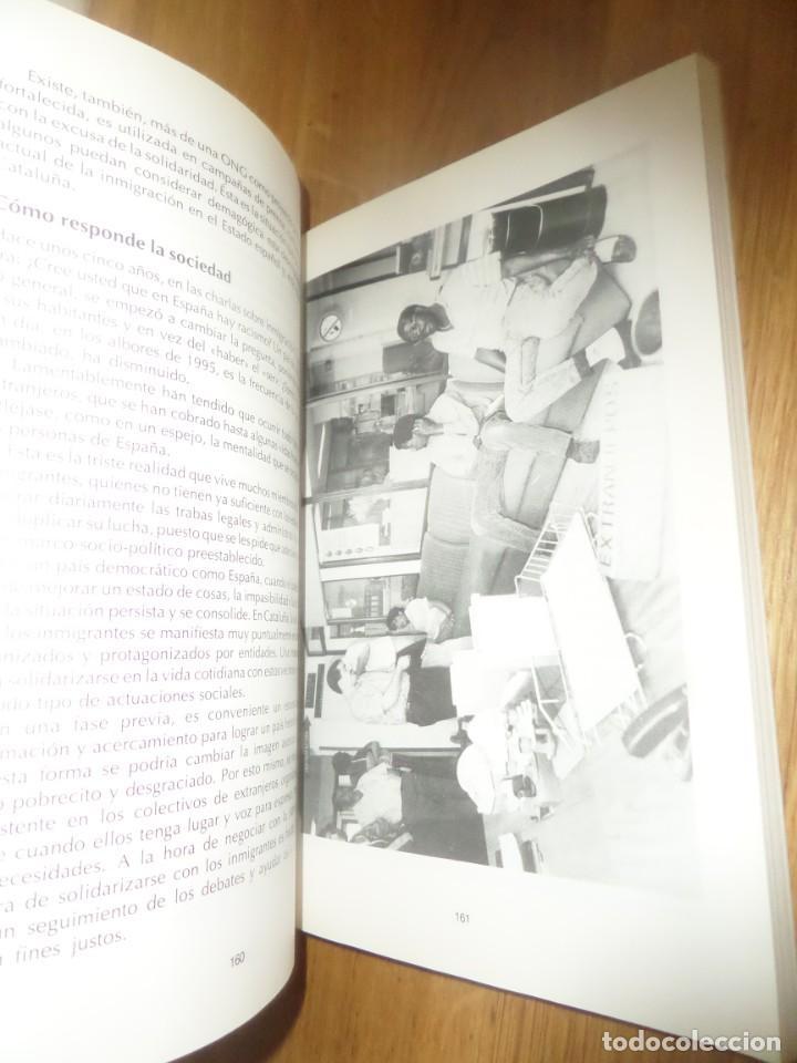Libros de segunda mano: EXTRANJEROS EN EL PARAISO - Editorial VIRUS - DISPONGO de mas LIBROS - Foto 2 - 235050225