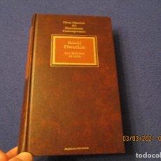 Libros de segunda mano: LOS DERECHOS EN SERIO RONALD DWORKIN ED. PLANETA-AGOSTINI 1994. Lote 246609510