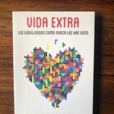 Libros de segunda mano: VIDA EXTRA. LOSVIDEOJUEGOS COMO NUNCA LOS HAS VISTO. GINA TOST Y ORIOL BOIRA. GRIJALBO.. Lote 262403895