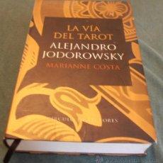 Libros de segunda mano: LA VIA DEL TAROT. Lote 29936471