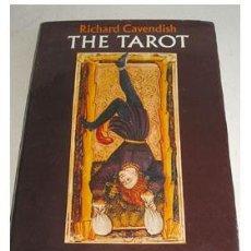 Libros de segunda mano: TAROT, POR RICHARD CAVENDISH. Lote 36849735
