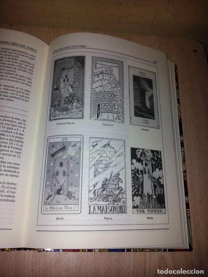 Libros de segunda mano: EMILIO SALAS - EL GRAN LIBRO DEL TAROT - CIRCULO DE LECTORES 1998 - Foto 2 - 113023063
