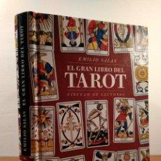 Libros de segunda mano: EL GRAN LIBRO DEL TAROT. SALAS, EMILIO. EDITA CÍRCULO DE LECTORES, 1998. ISBN 842269897. . Lote 140299626
