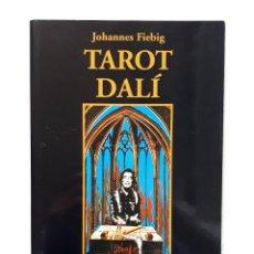 Libros de segunda mano: TAROT DALÍ / JOHANNES FIEBIG / GAIA 2004 (1ª EDICIÓN). Lote 147394254