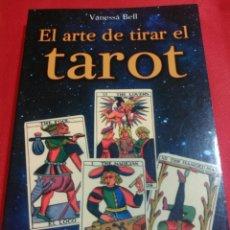 Libros de segunda mano: EL ARTE DE TIRAR EL TAROT.. Lote 162036696