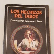 Libros de segunda mano: JANINA RENEE : LOS HECHIZOS DEL TAROT (TABLA DE ESMERALDA, 1995) - TDK357. Lote 175553130