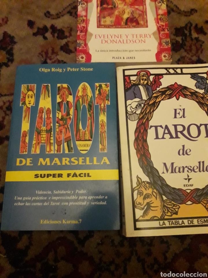 Libros de segunda mano: Tres libros de Tarot - Foto 3 - 192494925