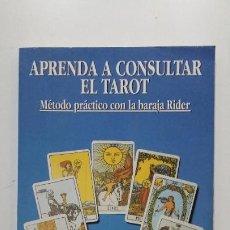 Libros de segunda mano: APRENDA A CONSULTAR EL TAROT. HAJO BANZHAF. MÉTODO PRÁCTICO CON LA BARAJA DE RIDER. EDAF. TDK442. Lote 197658976