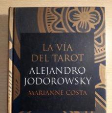 Livres d'occasion: LA VÍA DEL TAROT. Lote 200067096