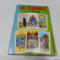 Libros de segunda mano: R.H WILSON EL TAROT Q1819T. Lote 215578268