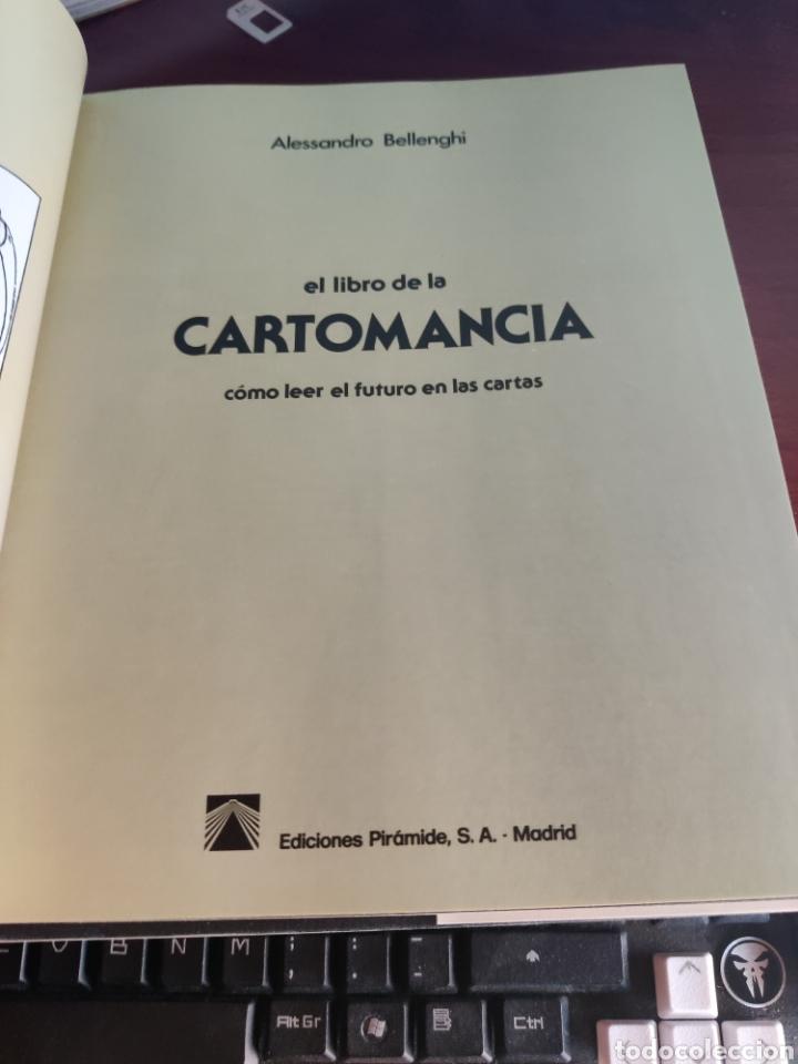 Libros de segunda mano: Libro de cartomancia como leer el futuro en las cartas Alessandro bellenghi pirámide 1986 - Foto 2 - 217990847