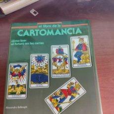 Libros de segunda mano: LIBRO DE CARTOMANCIA COMO LEER EL FUTURO EN LAS CARTAS ALESSANDRO BELLENGHI PIRÁMIDE 1986. Lote 249498930