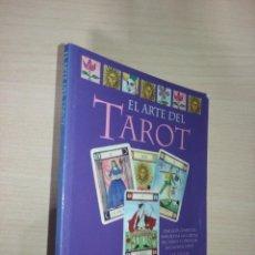 Libros de segunda mano: EL ARTE DEL TAROT - LIZ DEAN (UNA GUÍA COMPLETA PARA ECHAR LAS CARTAS DEL TAROT Y CONOCER...). Lote 222254275