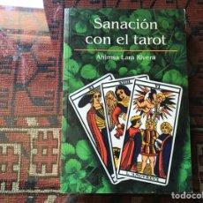 Libros de segunda mano: SANACIÓN CON EL TAROT. AHINSA LARC. Lote 289304528