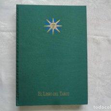 Libros de segunda mano: EL LIBRO DEL TAROT. 1993. LOS 22 ARCANOS MAYORES DEL TAROT DE MARSELLA. 2000 EJEMPLARES NUMERADOS.. Lote 271037293