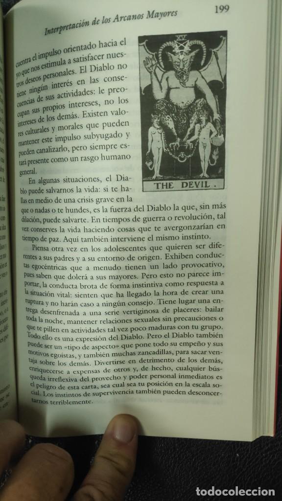 Libros de segunda mano: EL TAROT COMO VIA DE CONOCIMIENTO ( KAREN HAMAKER- ZONDAG - Foto 5 - 277504573