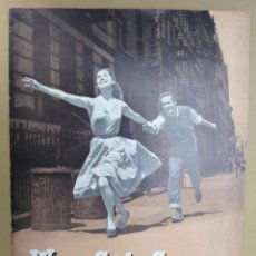 Libros de segunda mano: WEST SIDE STORY. A NEW MUSICAL // JEROME ROBBINS // LIBRETO // MUSICAL // 1957 // TEXTO EN INGLES. Lote 74619951