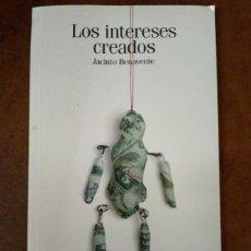 Libros de segunda mano: LOS INTERESES CREADOS (JACINTO BENAVENTE) EL PAIS CLASICOS ESPAÑOLES. Lote 221721581