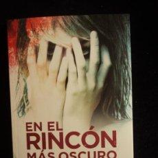 Libros de segunda mano: EN EL RINCON MAS OSCURO. ELIZABETH HAYNES. ED. SUMA 2012 400 PAG. Lote 35907600