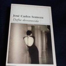 Libros de segunda mano: DAFNE DESVANECIDA. JOSE CARLOS SOMOZA. Lote 53002179
