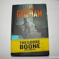 Libros de segunda mano: THEODORE BOONE JOVEN ABOGADO DE JOHN GRISHAM. Lote 68401421