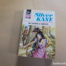 Libros de segunda mano: BRAVO OESTE 647 - SILVER KANE / UN CADAVER A SUBASTA - 1973 - 1ª EDICION - BUEN ESTADO. Lote 79824553