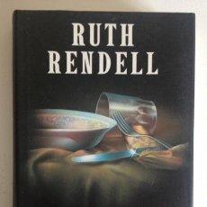 Libros de segunda mano: UN BESO PARA MI ASESINO+RUTH RENDELL+ED. CÍRCULO DE LECTORES+1996. Lote 98593439
