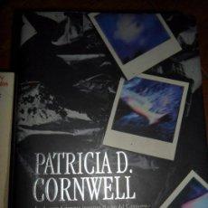 Libros de segunda mano: UN AMBIENTE EXTRAÑO, PATRICIA D. CORNWELL, EDICIONES B. Lote 98607355