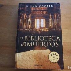 Libros de segunda mano: LA BIBLIOTECA DE LOS MUERTOS - GLENN COOPER - 2011. Lote 107501599