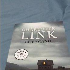 Libros de segunda mano: EL ENGAÑO CHARLOTTE LINK DEBOLSILLO 2017. Lote 110780095