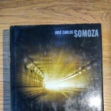 Libros de segunda mano: ZIG ZAG DE JOSÉ CARLOS SOMOZA. TAPA DURA. PRIMERA EDICIÓN DE 2006. Lote 117515579