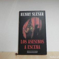 Libros de segunda mano: LOS ASESINOS A ESCENA. HENRY SLESAR. -- CIRCULO DE LECTORES . Lote 124677935