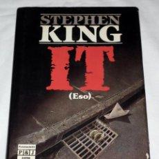 Libros de segunda mano: LIBRO STEPHEN KING - IT (ESO) . Lote 138904922