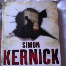 Libros de segunda mano: SIMON KERNICK. SIN TREGUA.. Lote 139899374